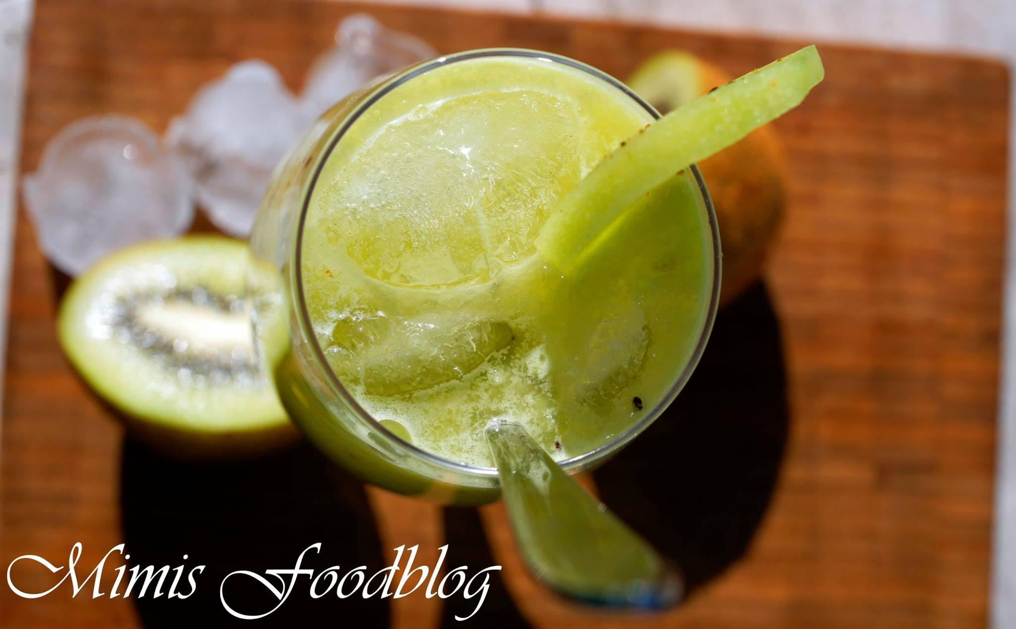 Kiwi Limonade mit Grapefruit und Holundersirup