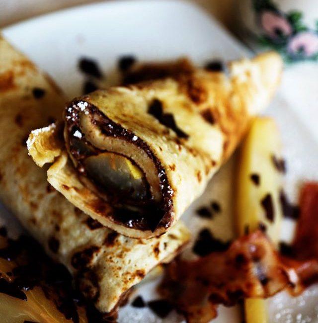 Schoko-Chai-Birnen Pfannkuchen mit Bacon