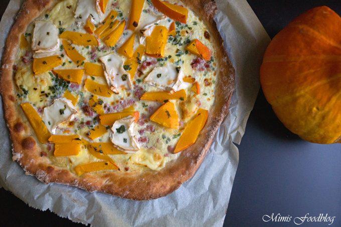 Kürbis-Ziegenkäse-Pizza