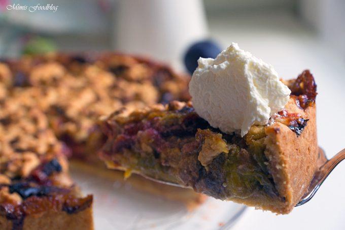 Marillen-Pflaumen-Kuchen mit Streuseln