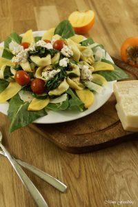 gedaempfte-tortellini-mit-spinat-ziegenkaese-und-tomaten-1