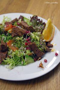 Friséesalat mit Granatapfel und Rinderstreifen 4