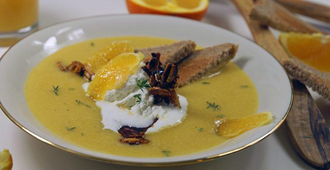 Orangen Kürbis Süppchen mit karamellisierten Mandeln 1