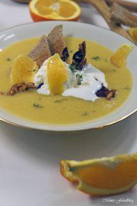 Orangen Kürbis Süppchen mit karamellisierten Mandeln 2