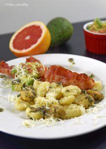 Selbst gemachte Gnocchi mit Bruschetta Butter Maronen und Grapefruit Guacamole 1