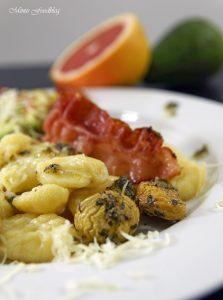Selbst gemachte Gnocchi mit Bruschetta Butter Maronen und Grapefruit Guacamole 11