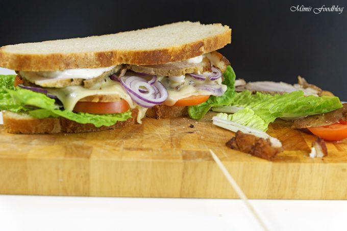 Krustenbraten Sandwich mit Knoblauchcreme