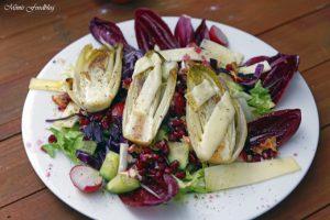 Wintersalat mit Rotkohl Granatapfel und gebratenem Chicoree 1