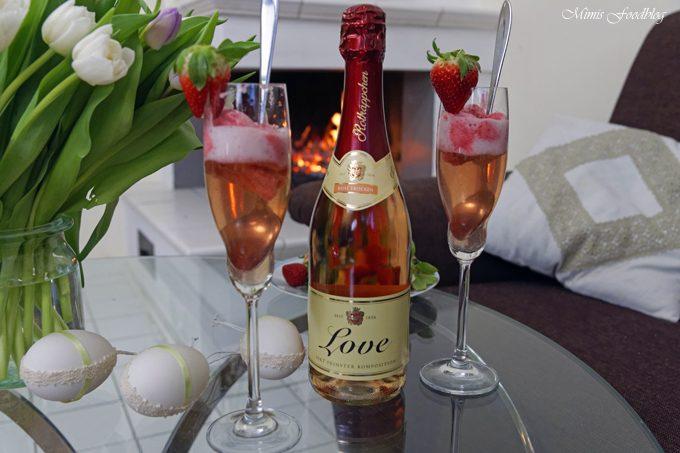[Anzeige] Romantisches Erdbeersorbet ~ Sag's mit Rotkäppchen von Herzen!