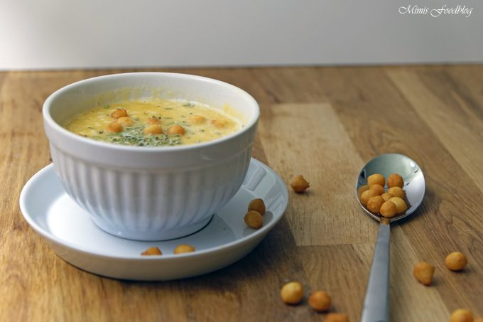 Es ist Suppenzeit ~ Gelbe Linsen-Kürbis-Suppe mit Rosmarin