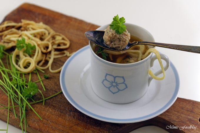 Suppenklößchen ~ die klassische Suppeneinlage