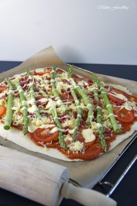 Grüne Spargelpizza mit Dinkelboden 6