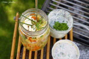 Linsensalat mit Karotten Erbsen und einer Joghurt Kräuter Sauce Linsen die wiederentdeckte Hausmannskost 6