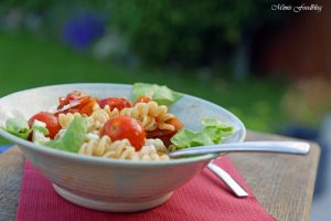Paprika Tomaten Nudeln mit Babyspinat 2