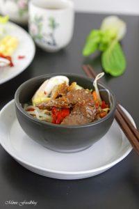 Rindfleisch mit Glasnudeln ein leckeres asiatisches Bowl Rezept 9