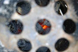 Texas BBQ Brisket aus dem Dutch Oven mit smoky Baked Beans rustikales Outdoor Cooking 7