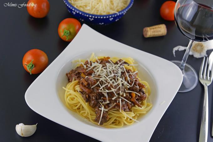 Gewürz-Bolognese mit Rotwein ~ ein Klassiker im würzigen Gewand - Mimis Foodblog