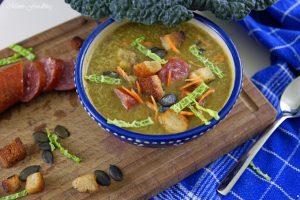 Leichte Wirsingsuppe mit Kürbiskernen und Weißwein eine geschmeidige Suppe zum Bloggeburtstag von Geschmeidige Köstlichkeiten 1