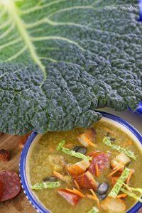 Leichte Wirsingsuppe mit Kürbiskernen und Weißwein eine geschmeidige Suppe zum Bloggeburtstag von Geschmeidige Köstlichkeiten 2