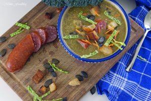 Leichte Wirsingsuppe mit Kürbiskernen und Weißwein eine geschmeidige Suppe zum Bloggeburtstag von Geschmeidige Köstlichkeiten 4