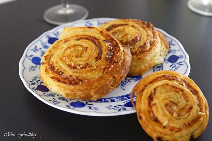 Parmesan-Brot mit selbst gemachtem Blätterteig ~ der Gourmetsnack von Nima Hemmat-Azad