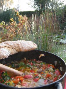 Deftiger Hackeintopf mit Pilzen Zucchini Paprika und Tomaten von Maria