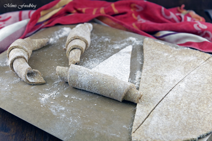Selbst gemachte Croissants aus Vollkornmehl ~ lasst uns gemütlich brunchen, vollwertig und lecker - Mimis Foodblog