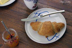 Selbst gemachte Croissants aus Vollkornmehl lasst uns gemütlich brunchen vollwertig und lecker 1