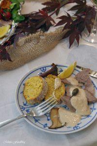 Vitello Tonnato mit Pilzen und Kürbisbrötchen Lecker in den Herbst mit BREE Wein 13