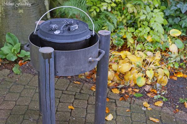 Anzeige Deftiges Kaffee Gulasch aus dem Dutch Oven Outdoorcooking mit flammo Dutch Oven Feuerschale 5