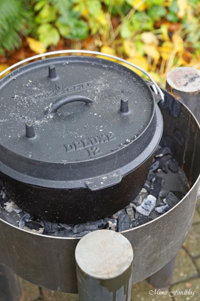 Anzeige Deftiges Kaffee Gulasch aus dem Dutch Oven Outdoorcooking mit flammo Dutch Oven Feuerschale 9