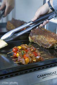 Mit Maronen und bunten Möhren gefüllte Rinderbrust Kreative Grillrezepte im Winter mit Campingaz 1