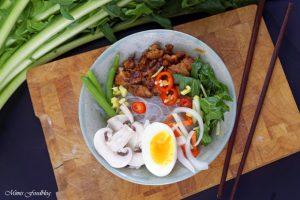 Scharfe Bowl mit Löwenzahn und Geflügel eine Hühnersuppe der besonderen Art 7