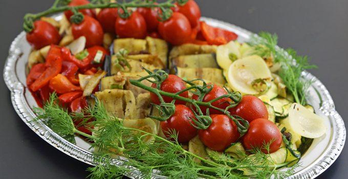 Antipasti Platte vegane Vorspeisenidee für ein geselliges Essen 3