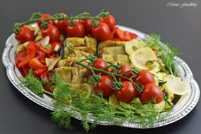 Antipasti-Platte ~ vegane Vorspeisenidee für ein geselliges Essen