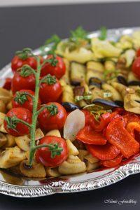 Antipasti Platte vegane Vorspeisenidee für ein geselliges Essen 8
