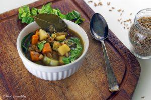 Grünkerneintopf mit Mangold und Karotten eine deftiger Gemüseeintopf 2