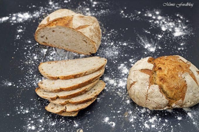 Kleines Bauernbrot ~ das selbst gebackene rustikale Brot