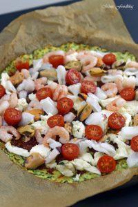 Meeresfrüchte Pizza Low Carb Pizza mit Zucchini Boden 3