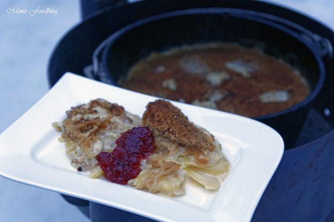 Jansons Versuchung aus dem Dutch Oven ~ Outdoor Cooking eines deftigen Auflaufs inkl. YouTube Video