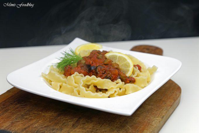 Vegane Pasta nach puttanesca Art ~ ein Ausflug in die süditalienische Küche