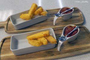Anzeige Polenta Pommes mit Pfirsich Tomatenmarmelade Kochevent zum Thema Köstliches vom Kap 10