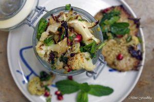 Gerösteter Blumenkohl Salat mit Bärlauch Pistazienkernen und Granatapfel 2
