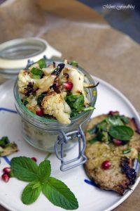 Gerösteter Blumenkohl Salat mit Bärlauch Pistazienkernen und Granatapfel 6