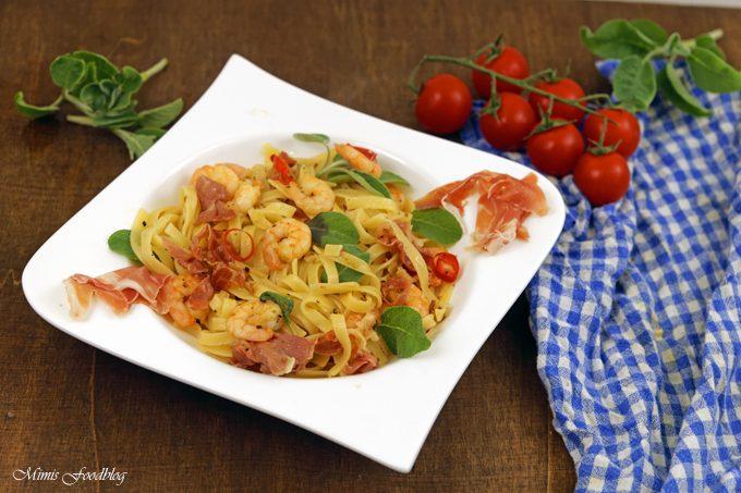 Pasta nach Saltimbocca Art mit Shrimps ~ ein italienischer Küchenklassiker variiert