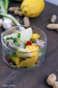 Thailändischer Salat aus grünen Äpfeln und Mangos Yam ma muang eine kulinarische Urlaubsreise 2