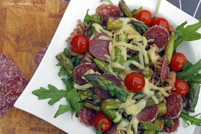 Vollkornpasta mit Spargel, Cocktailtomaten und Rucola ~ sommerliches Pastarezept perfekt für den Feierabend - Mimis Foodblog