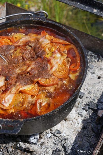 Schichtfleisch mit selbstgemachter BBQ Sauce der Klassiker aus dem Dutch Oven 3