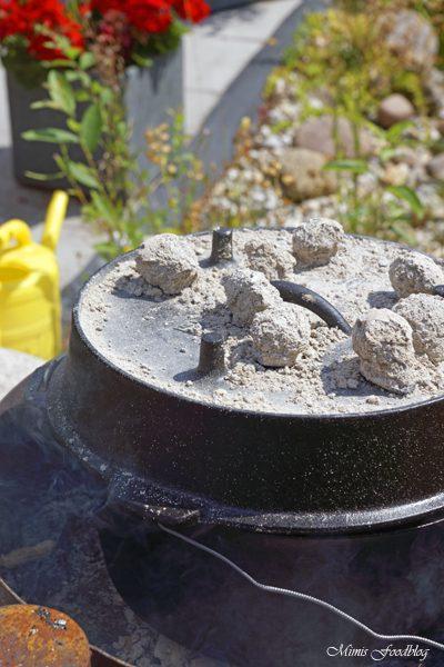 Schichtfleisch mit selbstgemachter BBQ Sauce der Klassiker aus dem Dutch Oven 4