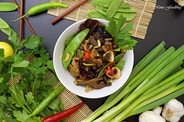 Chinesische Nudeln mit Schweinefleisch Kulinarisch ferne Länder mit Thalia entdecken 4